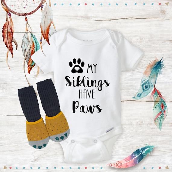 Personalised Babygrow /& Bib Gift Set Dog Paw Print Design