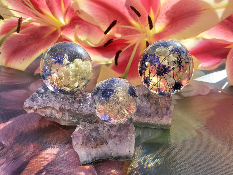 Resin Paperweight Orb Sphere with a real flowers in on a real Purple Amethyst Cluster stone stand Meditation Healing Stones Chakras Keepsake