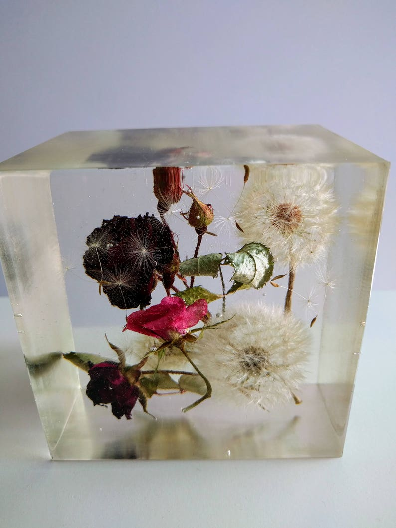 Preserving Wedding Bridal Flowers Bouquet In Large Resin Cube Like Glass Paperweight Memories Of Your Wedding Anniversary Funeral