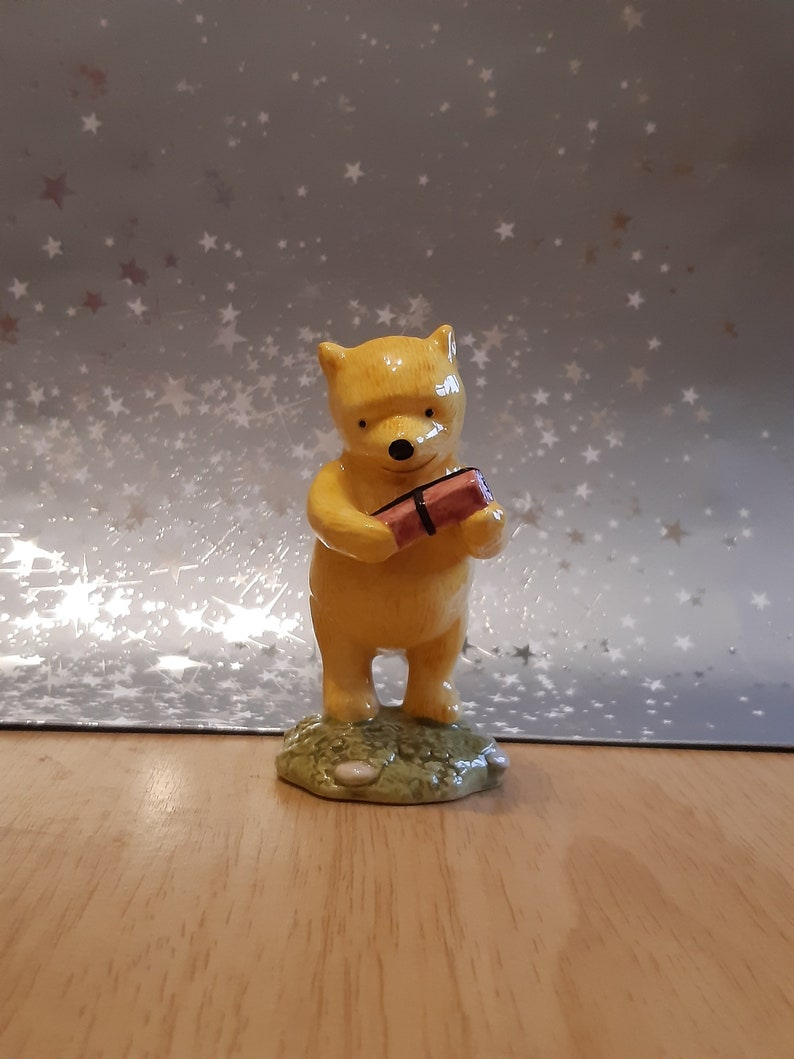 Royal Doulton Winnie The Pooh and The Present WP18 Disney from The Winnie The Pooh Collection