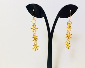 Flower Dangle Earrings,Long Dangle Earrings,Long Drop Earrings,Bohemian Earrings,Gold Flower Earrings,Light Weight Earrings,Drop Earrings
