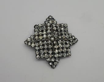 Gorgeous Large Vintage Rhinestone 8 Pointed Star Pin / Brooch
