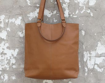 SUNDA Tote in Tan Leather
