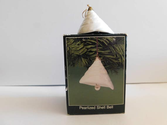 Shell vintage ornament american greetings shell bell shell m4hsunfo