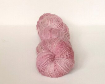 Hand Dyed 80/20 Superwash Merino Nylon Sock Weight Knitting 328yard Orchid