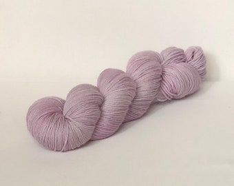 Hand Dyed 80/20 Superwash Merino Nylon Sock Weight Knitting 328yard Wisteria