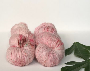 Hand Dyed Merinocashnylon 80/10/10 Superwash Merino Cashmere Nylon Sport Weight Knitting 382yard Rhubarb & Rose