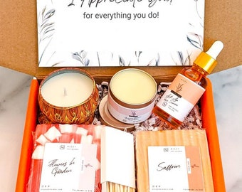 Mom Gifts, New Mom Gift, Holiday Gift for Mother, Mom Gift Birthday, Spa Gift Box for Her, Gift Basket for Mom, Mom Thank You Gift