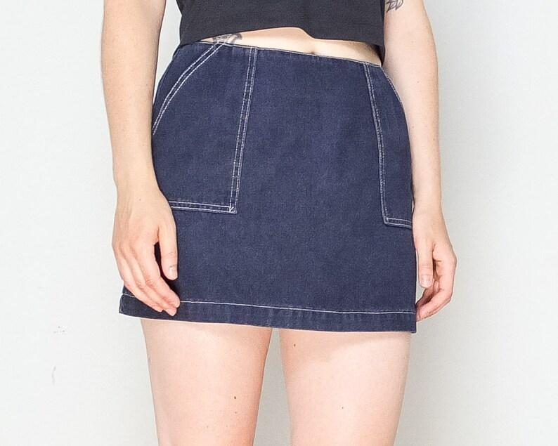 4cf8f244062 Size 30   90s Tommy Hilfiger Denim Mini-Skirt