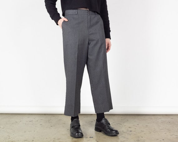 Waist 30 Inches / 90s Vintage Straight Leg Cropped