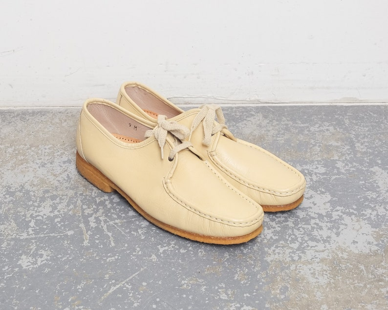 dd096d7d1 Size 10 US Women s   70s Pastel Yellow Leather Shoes with