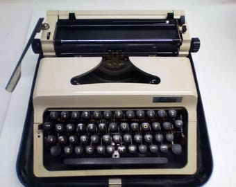 Vintage type writer from Erika