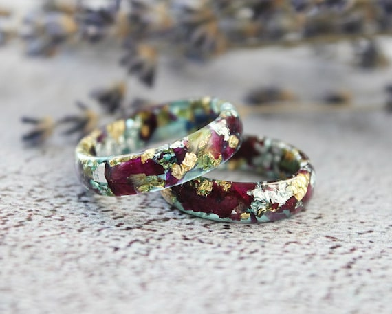 Resin Jewelry Thanksgiving Gift Wedding band Ring with Red Flowers Resin Ring with Pressed Red Rose Petals and Gold Flakes for women