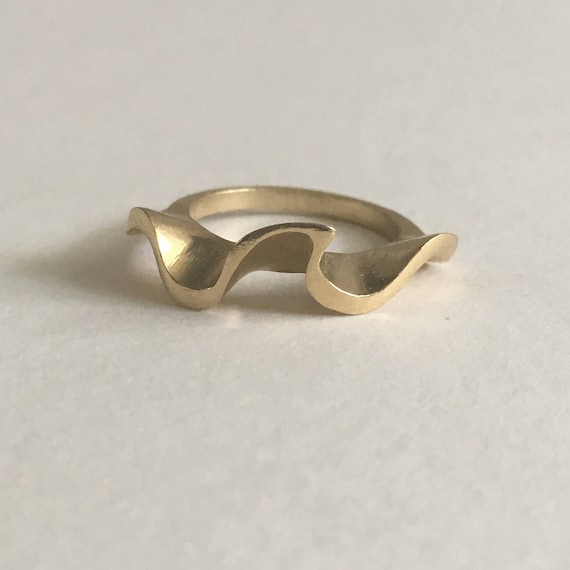 Ruffle Ring
