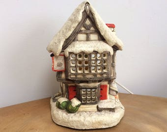 Charming Vintage Hand Painted Chalkware 'Snow Covered English Pub' Accent, TV Lamp - 'The Jolly Jug', Naturecraft, 1985, with fitting,bulb