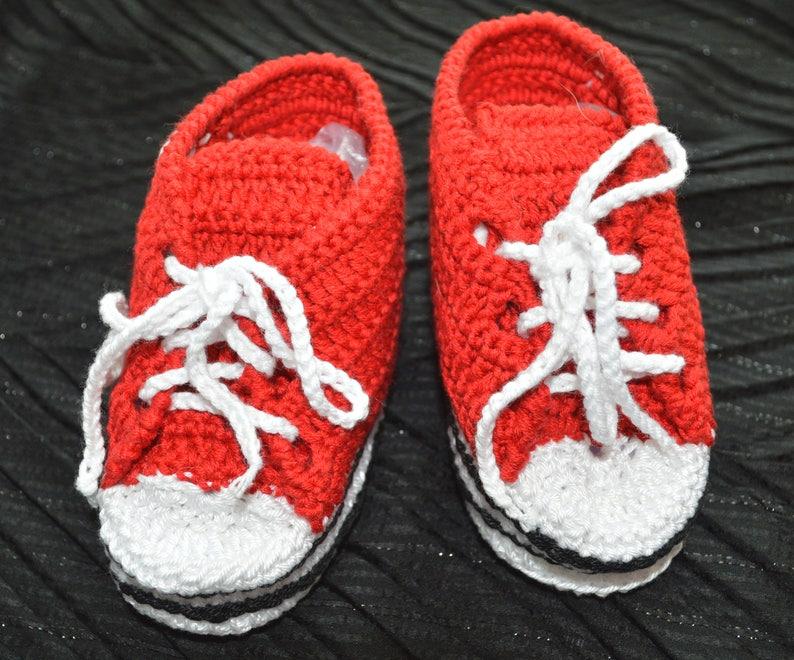 b64f960f6f344 Chaussures de bébé rouge au Crochet Crochet chaussons bébé
