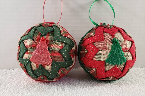 Quilted Christmas Ornaments.3 Inch Quilted Christmas Ornaments Red Green And Plaid With Center Puff Tree