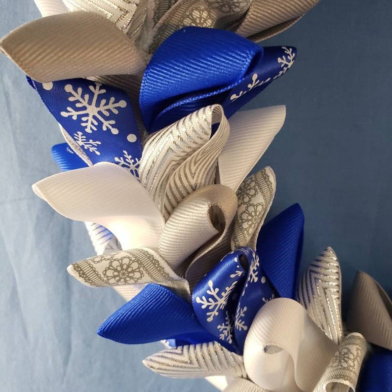 16 Inch BlueWhiteSilver Winter Snowflake Ribbon Wreath
