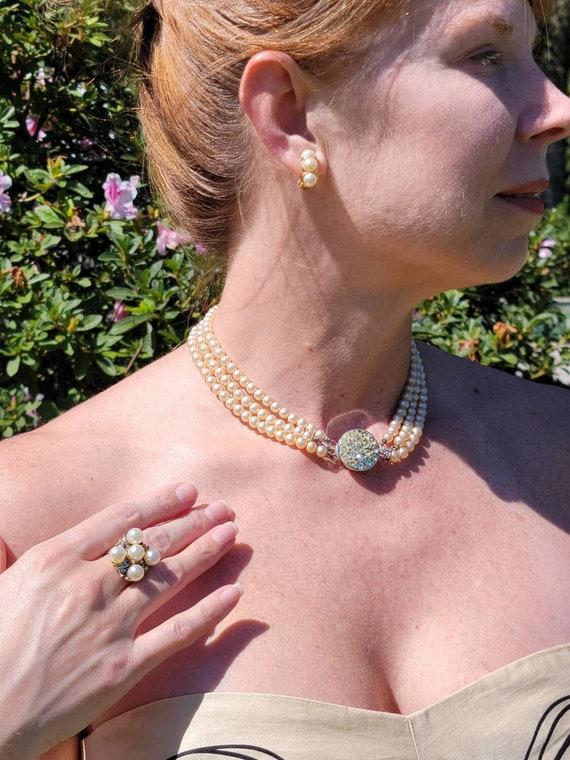 Sarah Coventry faux pearl & glass rhinestone chok… - image 1