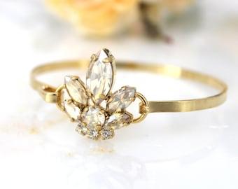 Bridal bracelet, Bridal jewelry, Crystal bracelet, Gold bangle bracelet, Wedding bracelet, Bridesmaid bracelet, Swarovski bracelet