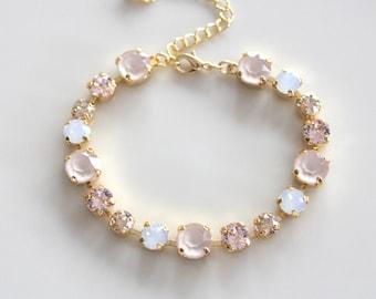 Crystal Bridal bracelet Gold Bridal jewelry Swarovski bracelet Gold Wedding bracelet Bridesmaid bracelet White opal Ivory cream bracelet