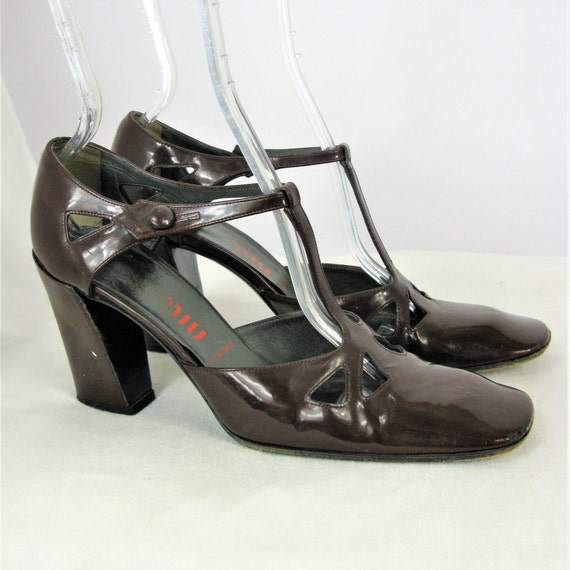 Vintage Miu Miu T Strap découpe cuir verni Mary Jane Jane Jane talons 36,5 / 6.5 d55521