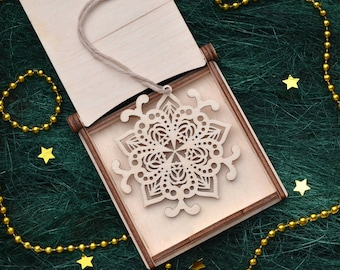 WOODEN CHRISTMAS TREE Ornaments // Snowflake Decorations - Wooden Christmas Ornaments Handmade - Wood Snowflake Ornament - Christmas Gift
