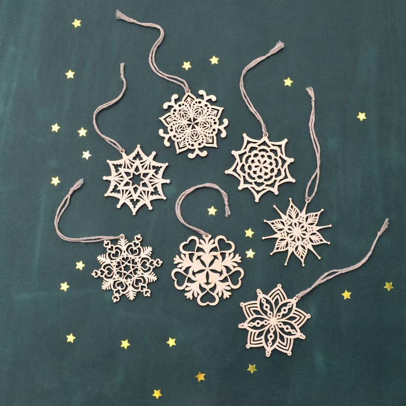 Set of WOOD SNOWFLAKE ORNAMENT // Christmas Tree Decoration - Christmas  Gift - Laser Cut Christmas Ornaments - Snowflake Decorations