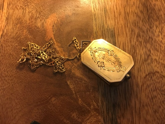 1920's Christmas 14k gold engraved locket