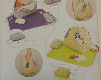 Simplicity Pattern 8031 Convertible Diaper Bags and Changing Pad