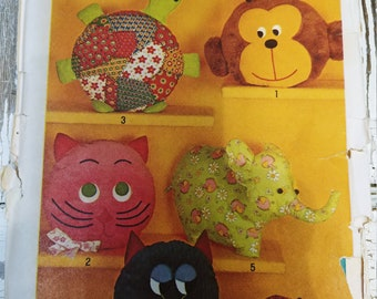 Children's Animal Pillow Toys Sewing Pattern, Vintage 1971, UNCUT, Complete, Monkey, Turtle, Cat, Owl, Elephant, Frog