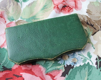 Vintage Henry Milward & Sons Needlecase/ Sewing Case/ Craft Supplies and Tools/ Storage and Organsiation/ Sewing/ Haberdashery/SALE (002W)