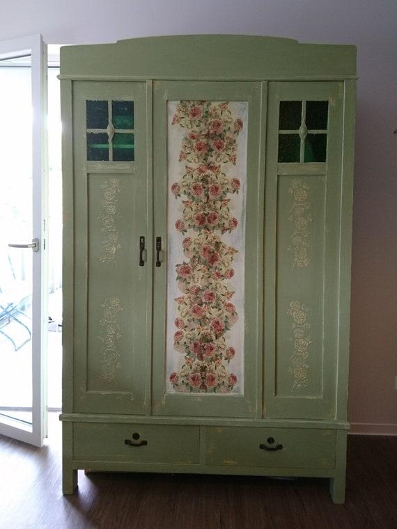 sold shabby chic kleiderschrank 100 jahre alter schrank etsy. Black Bedroom Furniture Sets. Home Design Ideas