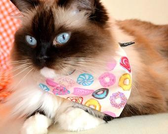 Bandana 'Doughnuts' (slip over collar), cat / dog bandana / easy fit cat bandana, black & white, cute bandana // CRAFTS4CATS