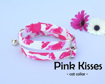 Cat collar with bell 'Pink Kisses' (breakaway) / cute cat collar, kitten collar, pink cat collar, small toy dog collar