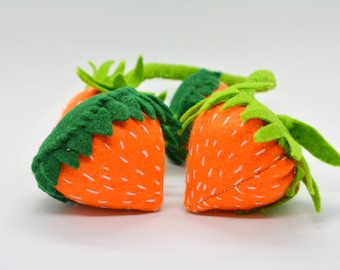 Catnip toys for cats // Strawberries // Unique catnip cat toy,cute cat toys,strawberry catnip toy,felt catnip toy,Crafts4cats