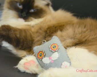 Small Felt Cat Key Ring - Felt Cat Ornament - Plush Cat Key Ring Decorations - Gift for Cat Lovers - Stocking fillers - Christmas gift