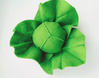 Christmas catnip cat toy // catnip veggetable, felt toys, cute cat toys, green toy for cat, catnip