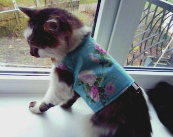 Walking jacket for pet - cat or dog / floral walking jacket