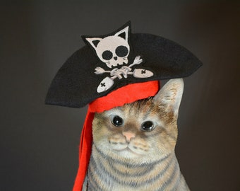 Pirate hat for cat / Halloween costumes for cats, dog hat, costumes for cats, handmade costume by Crafts4Cats