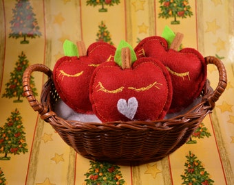 Red Apples - catnip cat toy made of wool felt / Unique catnip toy for cats and kittens, great Christmas stocking filler