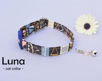 Cat collar with bell 'Luna', geometirc cotton cat collar, kitten collar, cat collar breakaway, small dog collar non breakaway