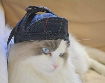 Sherlock Holmes deerstalker hat for cat or dog