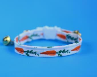 Cat collar breakaway // Carrots // Cat collar kitten collar with bell //cat collar personalized//cat collar safety//organic cotton