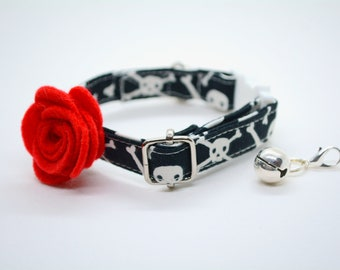 Glow in the dark cat collar Skull with Red Rose / Gothic Halloween, kitten collar, cat collar with bell, small dog collar, Crafts4Cats