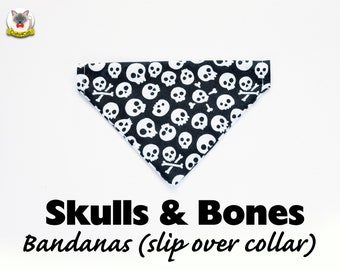 Bandana 'Skulls & Bones' (slip over collar), cat bandana, dog bandana, Halloween bandana,black, automn fall // CRAFTS4CATS