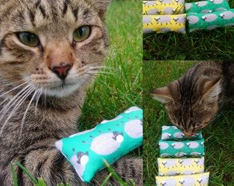 Pack of 2 catnip toys 'Sheep' catnip kickers