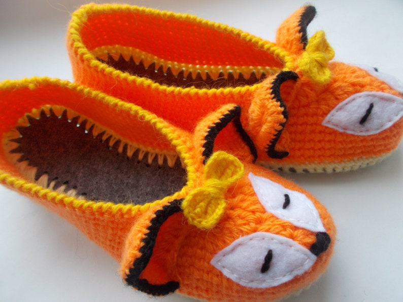 e96bfe42139b0 Fox slippers crocheted women's orange slippers sock for home on felt soles  warm boots handmade gift for a friend red fox