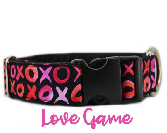 "Buckle Dog Collar: X's and O's; Valentines / Pink Girl Love Pattern ; 1"",1.5"",2"" widths available; adjustable length; black satin lining"