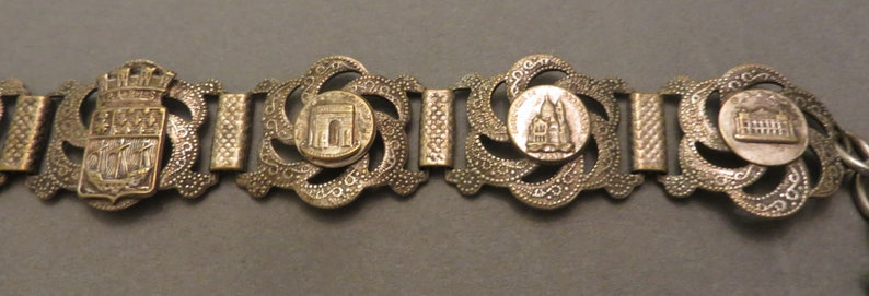 Antique FRENCH /'DEPOSE/' stamped souvenir links bracelet with Eiffel Tower fob landmarks Arc d/'triomphe,
